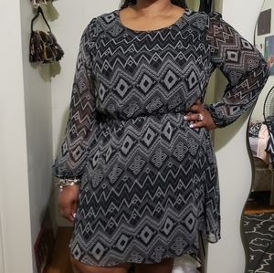 Black White Printed Long-Sleeved Dress (Size 3X)